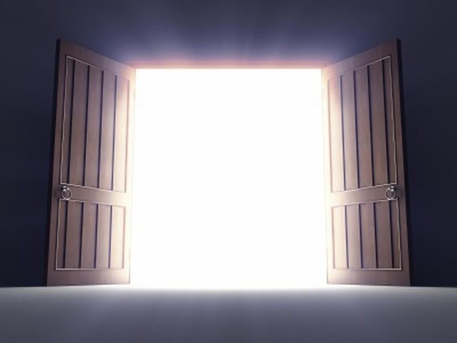 17 raisons pour ne pas prier seigneur ouvre cette porte for Porte de garage basculante ne s ouvre plus
