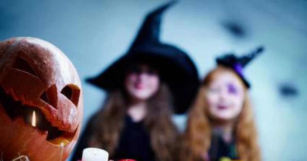 Halloween frappe notre porte emci tv - C est l hiver qui frappe a notre porte ...