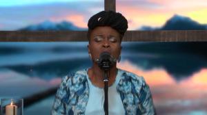 Hosanna clips - Emmanuel / Dena Mwana